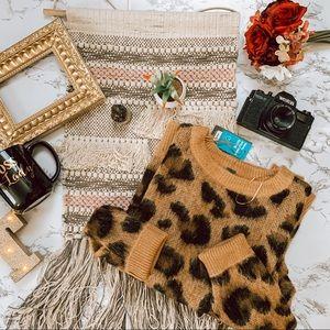 NWT Trendy Cheetah Crew Pullover Sweater SZ L
